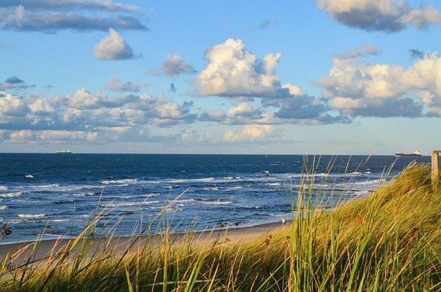 Dlaczego warto jechać nad Morze Bałtyckie poza sezonem?